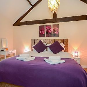 Ascot Mews City Of York Holiday Home - Contact Free Check In photos Exterior