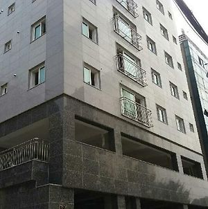 B. Stay Guest House - Hostel photos Exterior