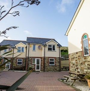 Tregurrian Villas photos Exterior
