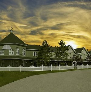 Cedar Meadows Resort & Spa photos Exterior