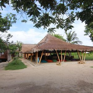 Layar Beach Bungalow photos Exterior