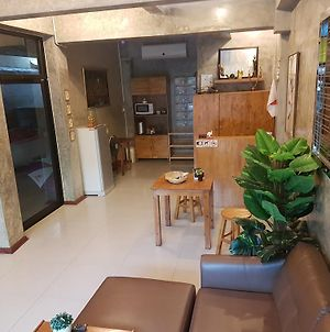 Atchara Service Apartment photos Exterior