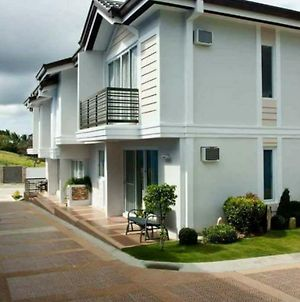 Tagaytay Hampton Villa photos Exterior