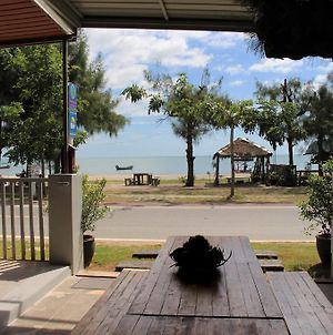Baan Aroka Beach Front photos Exterior