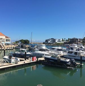 Harbour Views At Mindarie Marina photos Exterior