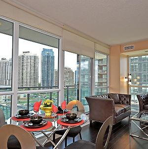 Royal Stays Furnished Apartments - Square One photos Exterior