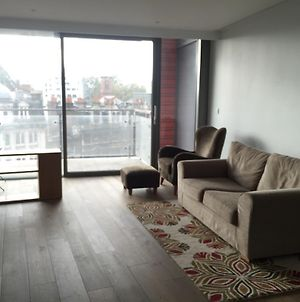 Modern 1Bd In The Perfect Location- Very Central photos Exterior