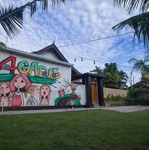 4Gadis Guest House photos Exterior