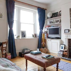 Bright And Spacious 2-Bed Flat In Battersea Park photos Exterior