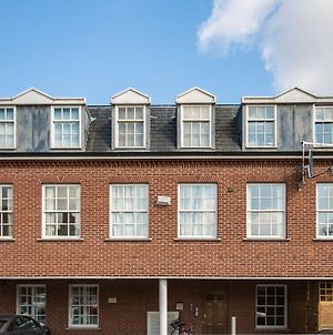 Luxurious 2 Bed Apartment In Central Bedford photos Exterior