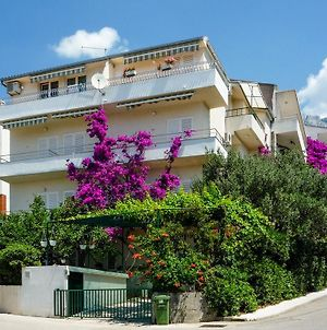 Apartments Meri Makarska photos Exterior