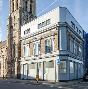 Fantastic Modern 2-Bed Apartment In Shadwell photos Exterior