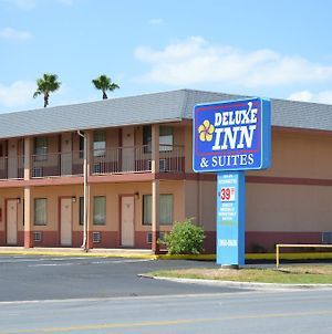 Deluxe Inn And Suites Weslaco photos Exterior