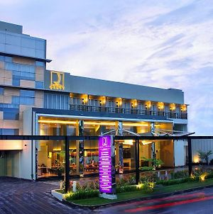 Quest Hotel Simpang Lima - Semarang By Aston photos Exterior