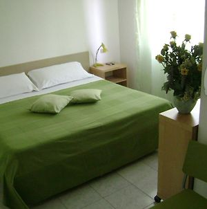 Albergo Moderno photos Room