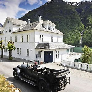 Fjaerland Fjordstove Hotell photos Exterior