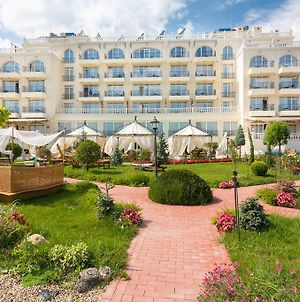 Therma Palace - Free Parking & Private Beach photos Exterior
