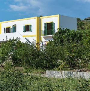 Cozy Holiday Home In Lingua On An Island photos Exterior