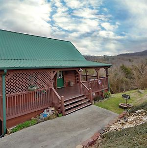 Fireside Memories 2 Bedroom Cabin By Redawning photos Exterior