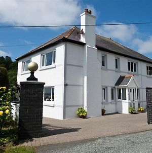 Spacious Villa In Amroth With Garden photos Exterior