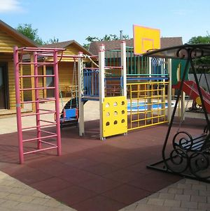 Guest House On Tsvetochnaya 8A photos Exterior