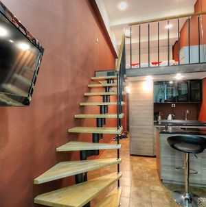 Two Storey Apartment In Loft Style photos Exterior
