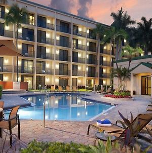 Courtyard By Marriott Fort Lauderdale East / Lauderdale-By-The-Sea photos Exterior