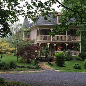 Fallen Tree Farm Bed & Breakfast photos Exterior