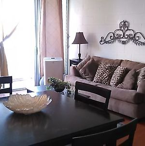 Renovated One Bedroom 2 Min To The Beach photos Exterior