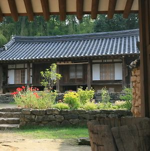 Yi Jin Rae'S Historic House photos Exterior