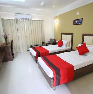 Oyo Rooms Ahmedabad Airport Gandhinagar Highway photos Exterior