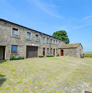Comfortable Holiday Home With Terrace At Cowling Yorkshire photos Exterior