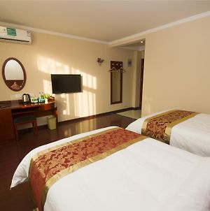 Greentree Inn Anhui Anqing Taihu East Renmin Road Cultural Expo Park Express Hotel photos Exterior