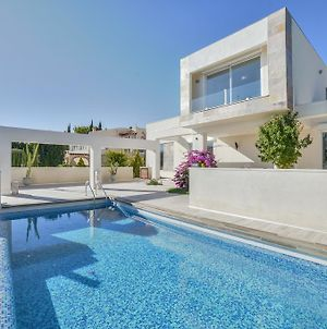 Villa Royale Modern And New With A Touch Of Antiques photos Exterior