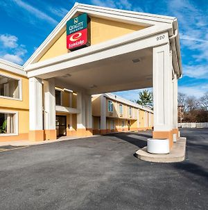 Econo Lodge Hagerstown I-81 photos Exterior