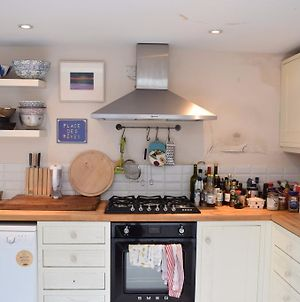 Beautiful 3Bed Hammersmith Cottage photos Exterior