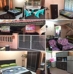 Homestay Tamu Orkid Guest House For M U S L I M Only photos Exterior