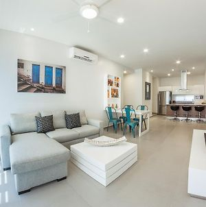 Chic 2Br Penthouse Close To Everything By Happy Address photos Room