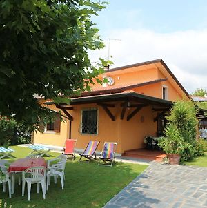 Bungalow Near Beach With Covered Terrace At Tuscan Coast photos Exterior