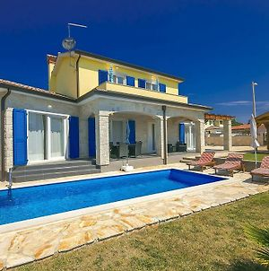 Spacious Villa In Nova Vas With Swimming Pool photos Exterior