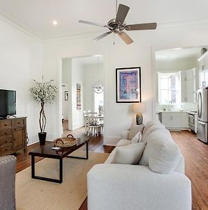 Charming Royal Queen Blocks From Fq! photos Exterior