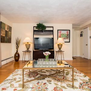 Great 1 Bedroom Apartment, Longwood, Mbta, Boston, Fenway, Jamaica Pond photos Exterior