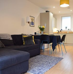 South London 1 Bed Flat With Balcony photos Exterior