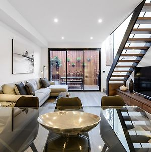 Boutique Stays - County Down, Contemporary Port Melbourne Home photos Exterior
