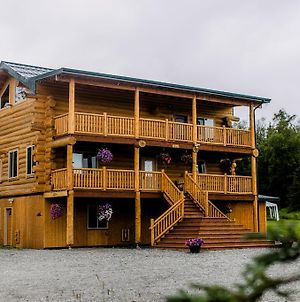 Alaska Knotty Pine B&B photos Exterior