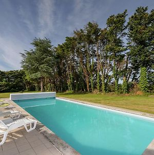 Luxury Holiday Home In Concarneau With Swimming Pool photos Exterior