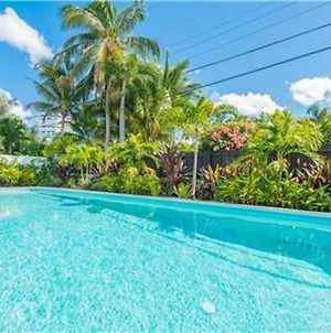 Coco Palm Escape: 5 Min Walk To Beaches, 5 Star Home, 4/2, Feet To Beach, Heated Pool! photos Exterior