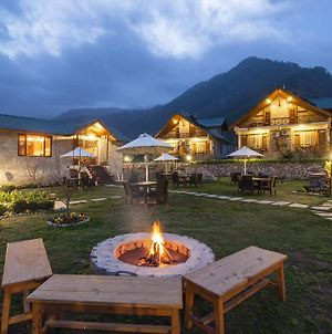 Larisa Resort Manali photos Exterior