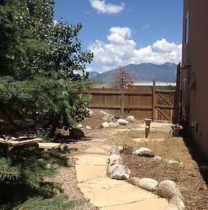 Adorable Taos Townhome photos Exterior