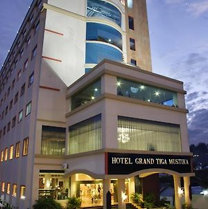Hotel Grand Tiga Mustika photos Exterior